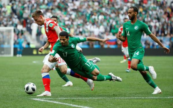 Nga 2-0 Ảrập Xêút (hiệp một): Cựu cầu thủ Real ghi bàn cho chủ nhà - ảnh 1