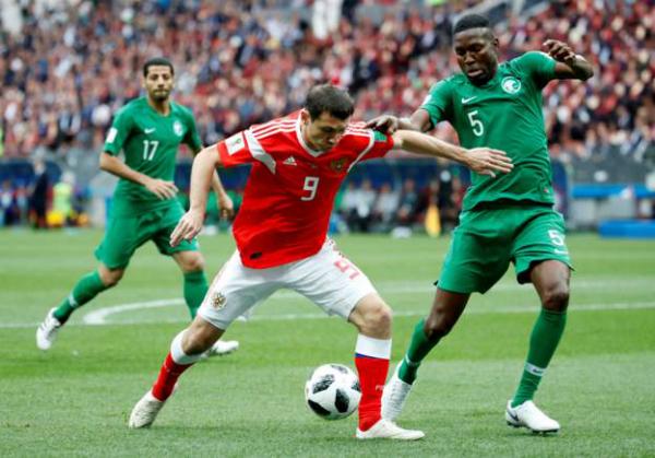 Nga 2-0 Ảrập Xêút (hiệp một): Cựu cầu thủ Real ghi bàn cho chủ nhà - ảnh 4