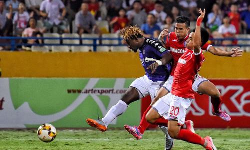 Hà Nội xô đổ hàng loạt kỷ lục ở V-League như số trận bất bại, số điểm, số bàn thắng ở lượt đi... Ảnh: Giang Huy