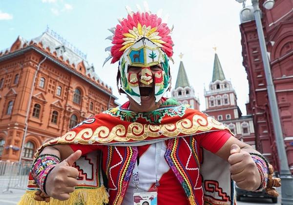 ruc-ro-moscow-truoc-le-khai-ma-5916-6626