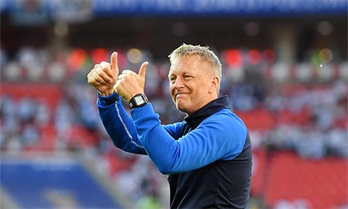 HLV Hallgrimsson hài lòng khi các học trò thực hiện tốt ý đồ chiến thuật và giành điểm trước ông lớn Argentina. Ảnh: Reuters.