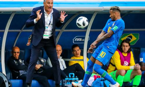 Neymar đang chịu áp lực nặng nề. Ảnh: TASS.