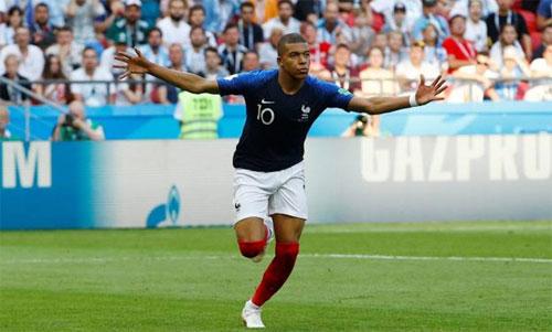 Ngôi sao trẻ tỏa sáng trong một trận đấu quan trọng. Ảnh: Reuters