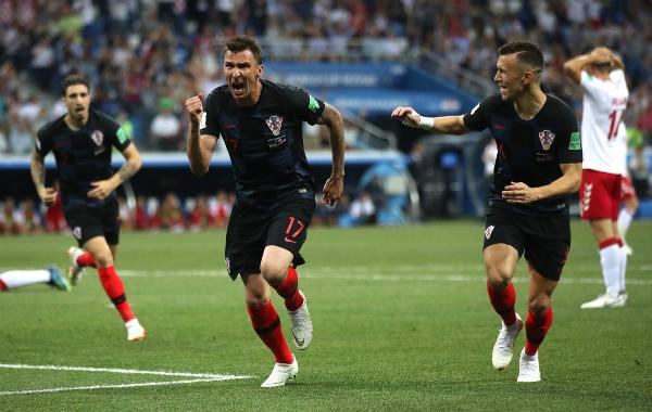 ... trước khi Croatia có lời đáp trả từ Mandzukic. Ảnh:FIFA.