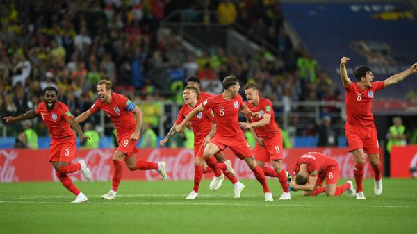Niềm vui vỡ òa của các cầu thủ Anh sau loạt đấu súng. Ảnh:FIFA.