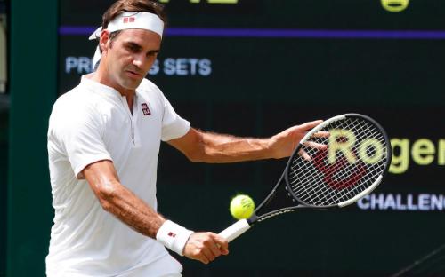 Federer chỉ còn cách kỷ lục chuỗi thắng set ở Wimbledon hai đơn vị. Ảnh: Heathcliff OMalley.