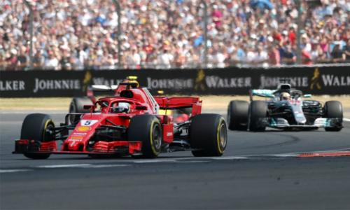 Sức mạnh động cơ và những nỗ lực tột cộng chỉ giúp Hamilton có được địa điểm thứ nhì, sau Vettel, trên sân nhà. Ảnh: ESPN.