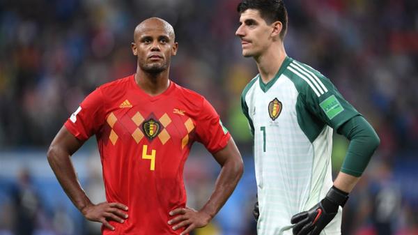 Đội tuyển Bỉ phải chờ thêm bốn năm nữa để chinh phục World Cup. Khi đó, họ khó có thể nhận sự phục vụ của trung vệ Vincent Kompany (trái). Ảnh: FIFA.