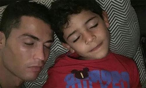 Ronaldo và con trai cả Cristiano Jr.