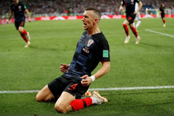 Perisic nhận danh hiệu Cầu thủ hay nhất trận. Ảnh: Reuters.