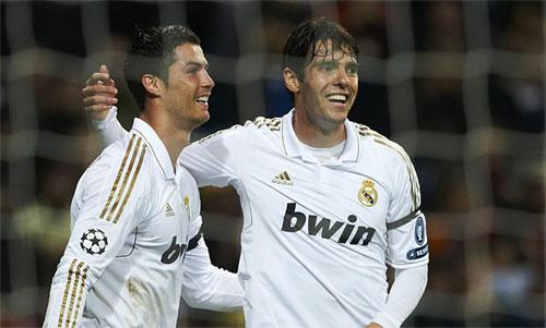 Ronaldo và Kaka từng cùng khoác áo Real Madrid. Ảnh: Reuters