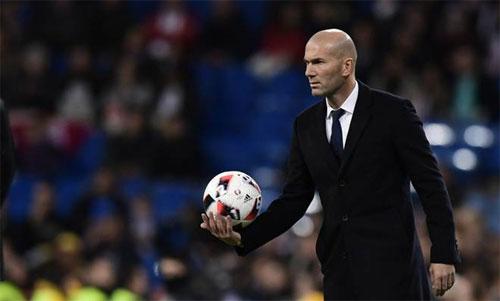 Zidane đang cần một thách thức mới sau thành công tại Real. Ảnh: Reuters