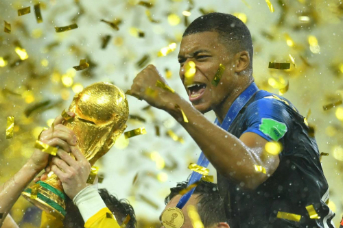 Mbappe là trụ cột tuyển Pháp ở tuổi 19. Ảnh: Reuters.