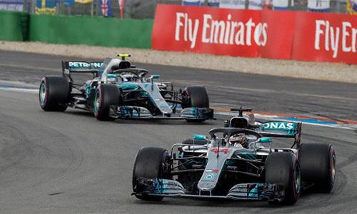 Xuất phát thứ 14, nhưng Hamilton (xe số 44) vẫn giành chiến thắng ngoạn mục tại Hockenheim. Ảnh: AP.