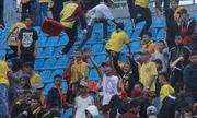 CĐV Indonesia phá hoại sân tổ chức Asiad