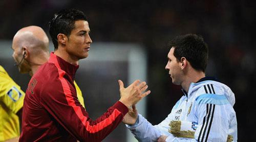 Ronaldo và Messi trong màu áo tuyển quốc gia. Ảnh:AFP.