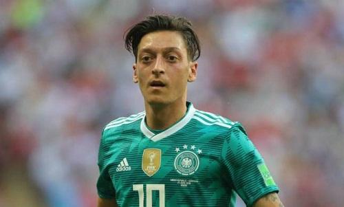 Ozil là mục tiêu bị chỉ trích vì màn trình diễn không tốt, góp phần khiến Đức bị loại ở vòng bảng World Cup 2018. Ảnh: Reuters.