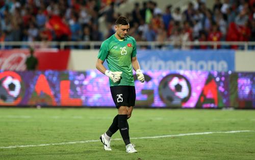 Đặng Văn Lâm chơi trọn 90 phút trong trận ra quân thắng Palestine 2-1 ở giải giao hữu U23 quốc tế tối 3/8. Anh không có lỗi trong bàn thua. Ảnh: Lâm Thỏa
