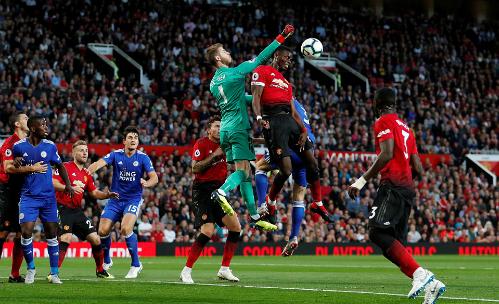 De Gea vẫn phải đóng vai người hùng cho Man Utd. Ảnh:Reuters.