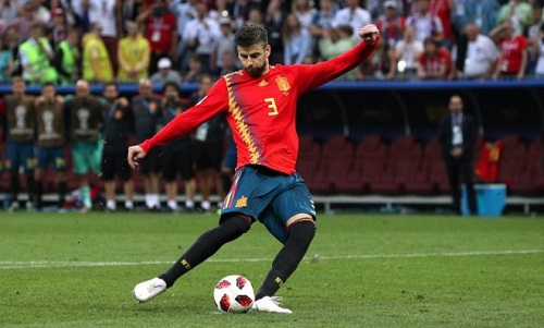 Pique vô địch Euro 2012 và World Cup 2010 cùng đội tuyển Tây Ban Nha. Ảnh: Reuters.