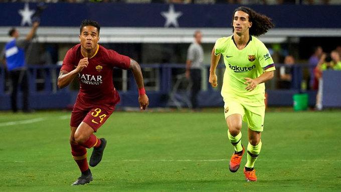 <p> <strong>Justin Kluivert từ Ajax sang AS Roma</strong>. Sau hai năm tỏa sáng tại Ajax, tiền đạo 19 tuổi có một bước đi hợp lý khi chuyển tới Serie A. Roma không chỉ là nơi mang lại môi trường thi đấu cao cấp hơn, mà còn giúp Justin có không ít cơ hội đá chính. Nếu tiếp tục ''lột xác'', ngôi sao Hà Lan sẽ thoát khỏi cái bóng của ông bố nổi tiếng Patrick Kluivert.</p>