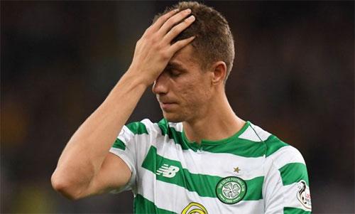Celtic phải xuống Europa League ngay đầu mùa giải. Ảnh: Reuters