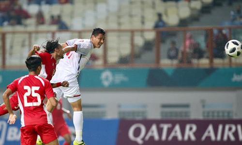 Việt Nam 1-0 Nepal (hết hiệp một): Anh Đức đánh đầu chéo góc mở tỷ số
