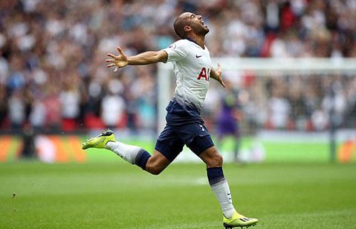 Lucas Moura mừng bàn mở tỷ số cho Tottenham. Ảnh: PA.