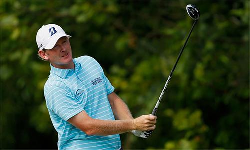 Snedeker tiếp tục giữ đỉnh bảng dù chơi vòng hai với 67 gậy, nhiều hơn tám gậy so với ngày đầu tiên. Ảnh: Golfweek.