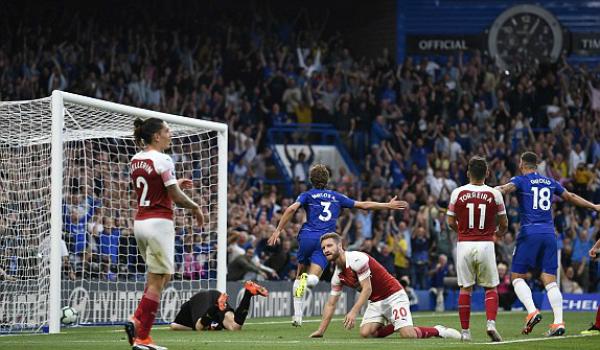 Hàng thủ chính là điểm yếu dẫn đến cái chết của Arsenal trận này.