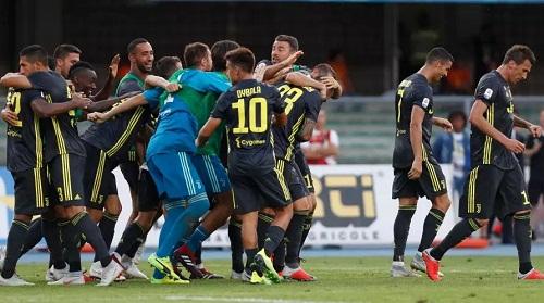 Juventus gặp khó khăn ngay trong trận đầu tiên của mùa giải. Ảnh: AP.