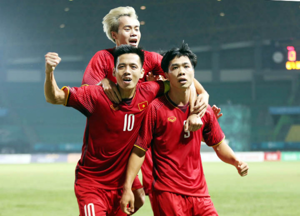 Công Phượng ghi bàn ở phút 88, giúp Việt Nam đánh bại Bahrain, lần đầu tiên trong lịch sử lọt vào tứ kết Asiad. Ảnh: Đức Đồng