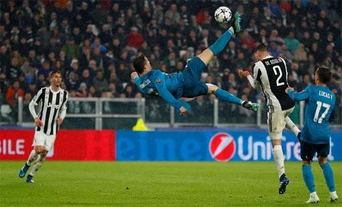 Ronaldo ghi bàn đẹp nhất mùa 2017-2018. Ảnh: Reuters
