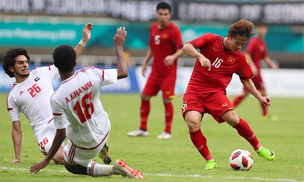 UAE chủ trương đưa trận đấu vào loạt luân lưu. Ảnh:Đức Đồng.