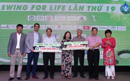 Swing For Life lần thứ 19 quyên góp được hơn 4,5 tỷ đồng