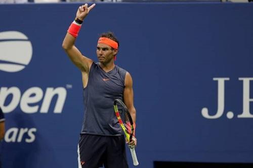 Nadal đánh bại Thiem sau trận đấu kéo dài gần năm giờ đồng hồ. Ảnh: Reuters.