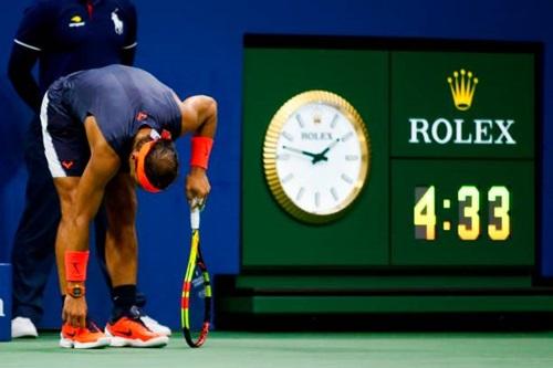 Trận đấu kéo dài tới hai giờ sáng, giờ New York, Mỹ. Ảnh: Reuters.