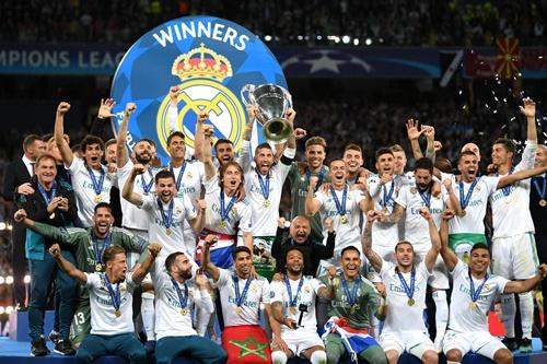 Champions League ngày càng làm ăn phát đạt nhờ tiền bản quyền truyền hình khổng lồ. Ảnh: Reuters.