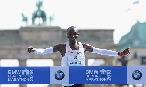 vdv-kenya-pha-sau-ky-luc-the-gioi-chay-marathon