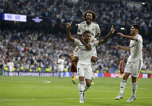 Mariano có bàn thắng đẹp mắt ngay trận đầu mang áo số 7.