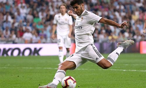Cú sút chân trái sở trường của Asensio giải cứu Real khỏi một trận hòa.