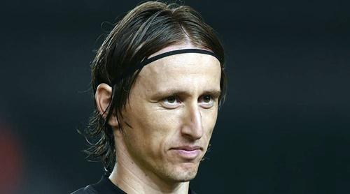 Modric nhiều khả năng sẽ là cầu thủ thứ hai đoạt giải The Best. Ảnh: Reuters.