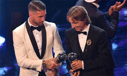 Ramos và Modric cùng có tên trong Đội hình tiêu biểu năm 2018. Ảnh: Reuters