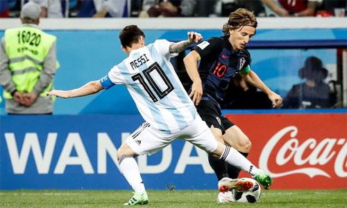 Modric đăng quang nhờ thành công ở Champions League và World Cup. Ảnh: Reuters