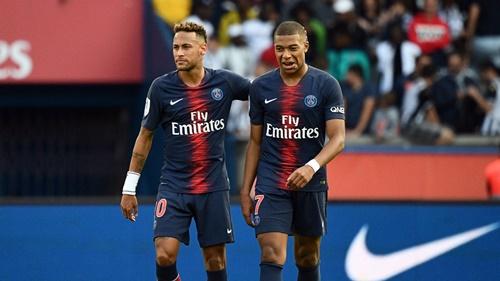 FIFA quyết định mạnh tay sau khi PSG lũng đoạn thị trường chuyển nhượng để mang về hai bom tấn Neymar và Mbappe trong hè 2017. Ảnh: Reuters.