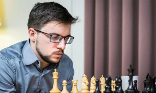 Maxime Vachier-Lagrave là kỳ thủ hàng đầu thế giới người Pháp. Đất nước tổ chức Olympic 2024 có thể xem xét đưa cờ vua vào đại hội. Nhưng thể thao trí tuệ trước mắt cần cải thiện sức hút với người xem không chuyên. Ảnh: GTT.
