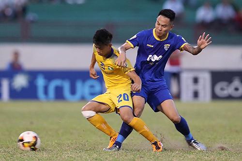 Tiền vệ Phan Văn Đức đã bình phục chấn thương, sẵn sàng trở lại trong trận quyết đấu với Thanh Hoá. Ảnh: Quang Minh