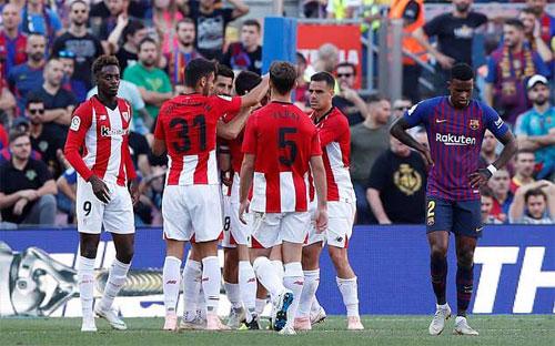 Barca chưa quen với việc chơi thiếu Messi. Ảnh: Reuters