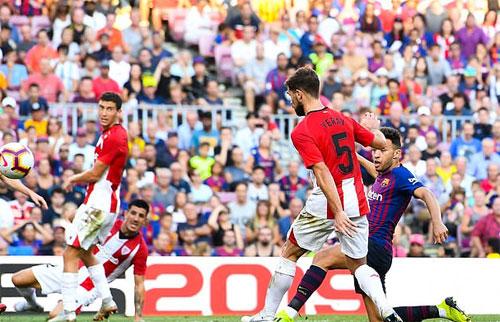 Bàn thắng quý giá của Munir giúp Barca thoát thua.