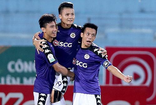Hà Nội xô đổ hàng loạt kỷ lục như số điểm giành được, số bàn thua, số bàn thắng...khi đăng quang V-League 2018.